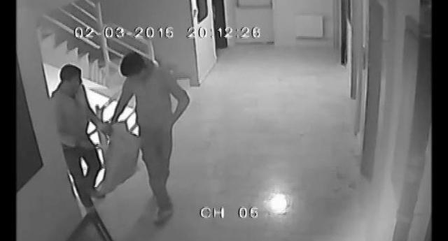 Hırsızları güvenlik kamerası yakalattı