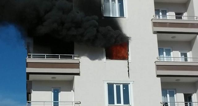 Öğrenci evinde patlama