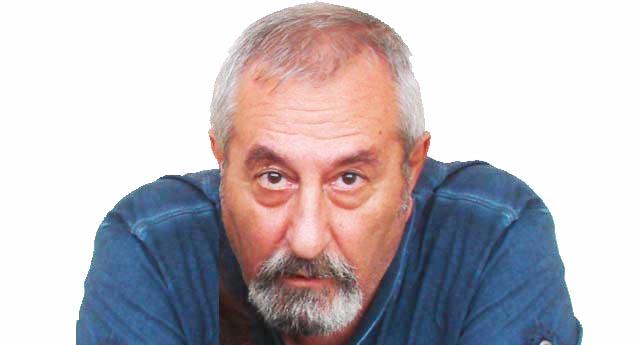 DEMOKRASİ MEYDANI