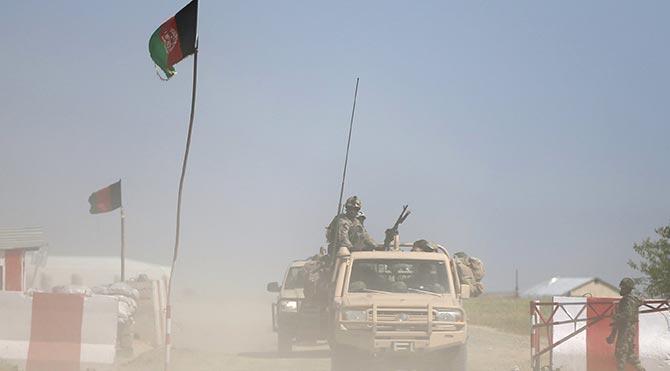 Afganistan'da Taliban operasyonları: 60 ölü