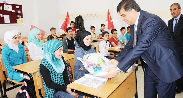 Suriyelilere eğitim desteği