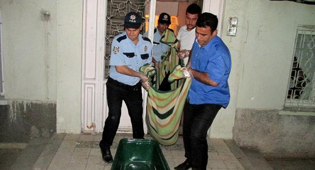 Öğrenci evini bastılar: 1 ölü