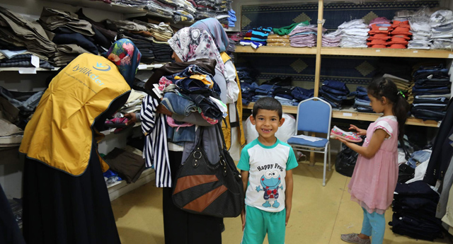 Yoksullara giyim yardımı