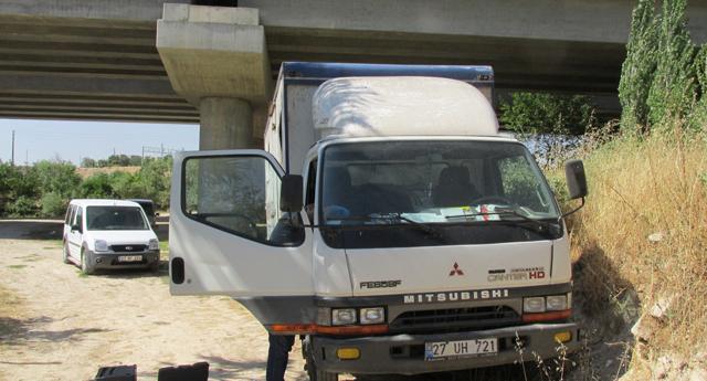 Çaldıkları kamyonu Suriye'ye götüreceklerdi