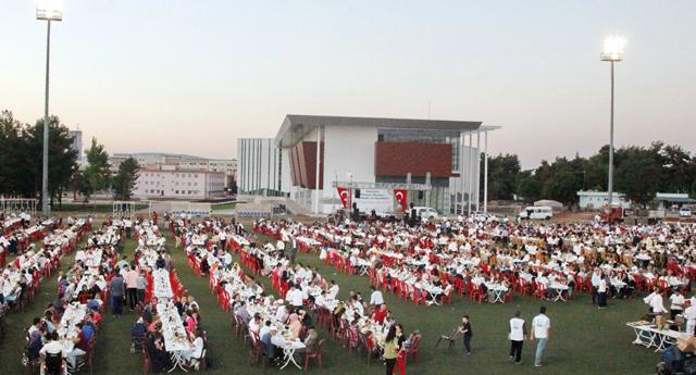 Stadyumda iftar