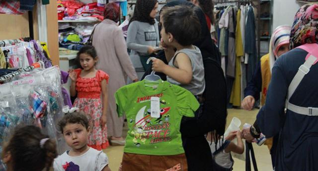 Suriyeli çocuklara yardım