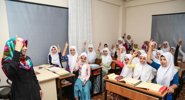Kur'an-ı Kerim öğreniyorlar