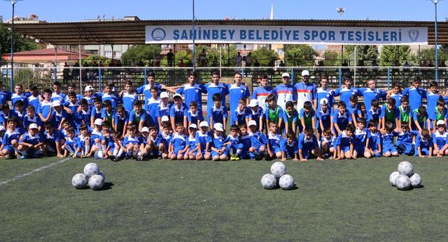 Futbolcular Şahinbey'de yetişiyor