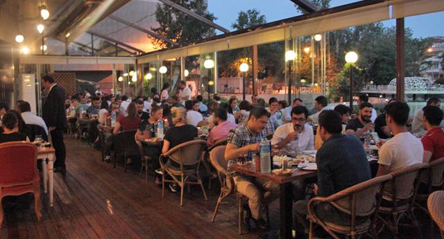 Sanko Park'ta büyük iftar