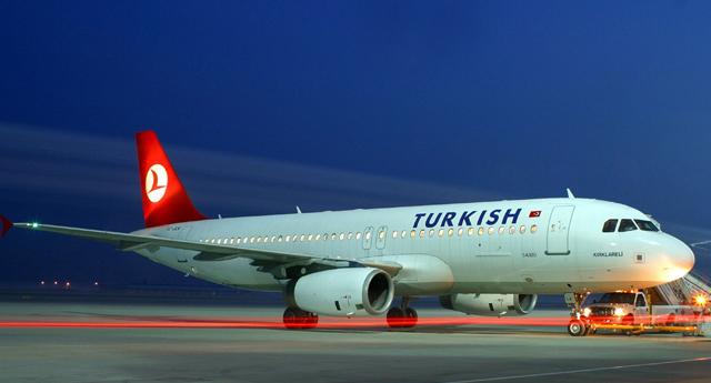Istanbul uçağı geri döndü