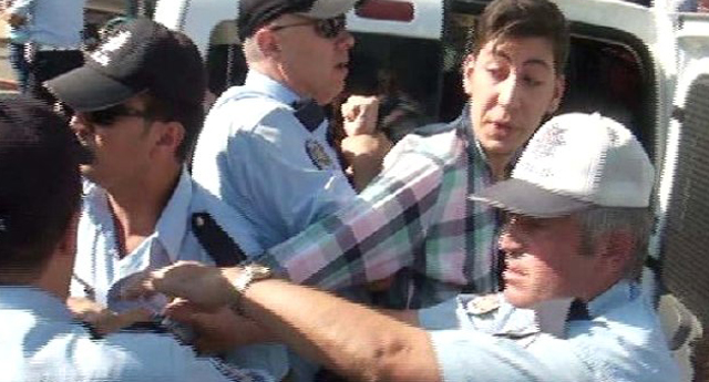 Polis üzdü