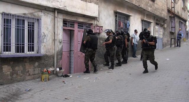 Torbacılara polis baskını