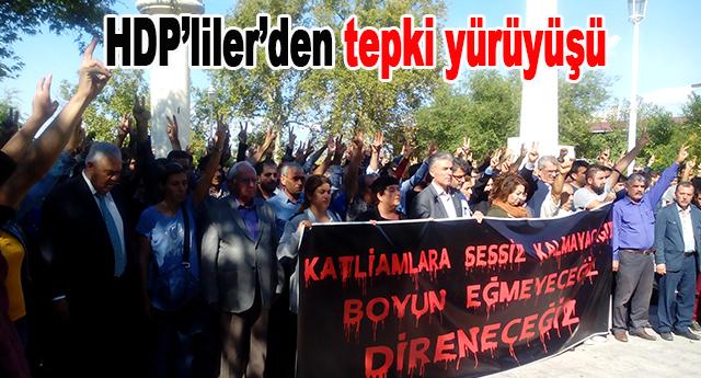 Ankara'daki bombalı saldırıyı protesto ettiler