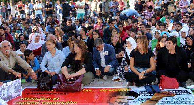 Terör saldırısında ölenler için eylem