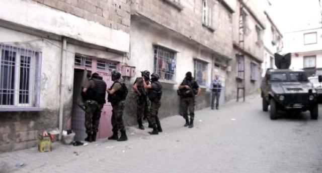 Uyuşturucu baskını: 20 tutuklama