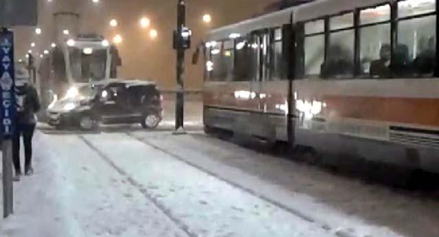 Tramvaylar zor anlar yaşadı