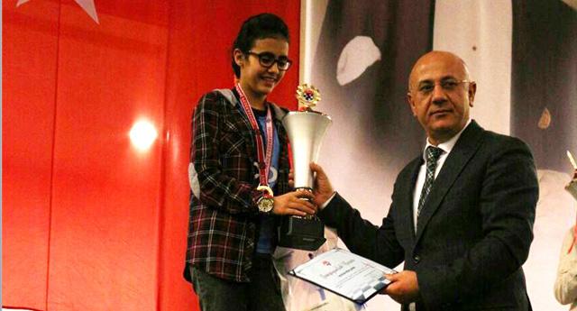 Altın Kız Hayrün Nisa Türkiye Şampiyonu