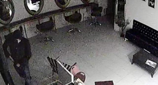 Hırsızlık Anı Güvenlik Kamerasında