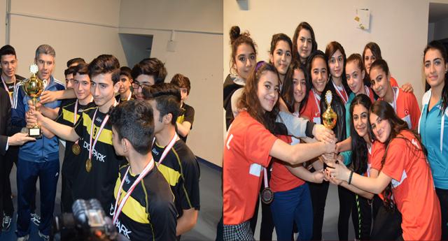 Dereceye Giren Öğrencilere Ödül Verildi