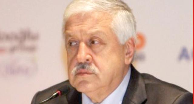 Ahmet Uzer, talip oldu