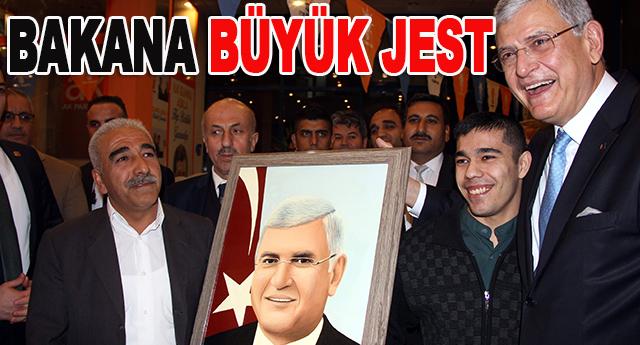 Sedat Taş,Volkan Bozkır'ın resmini çizdi