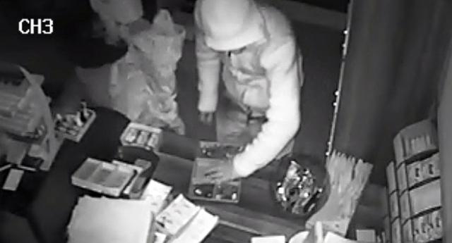 Hırsızlar kameradan kaçamadı