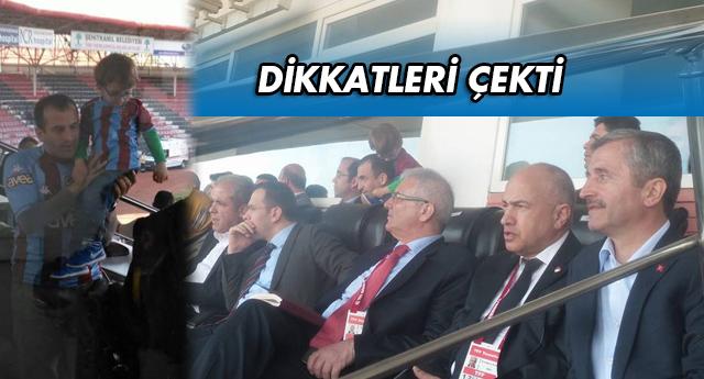 Protokol da Trabzon forması giyildi