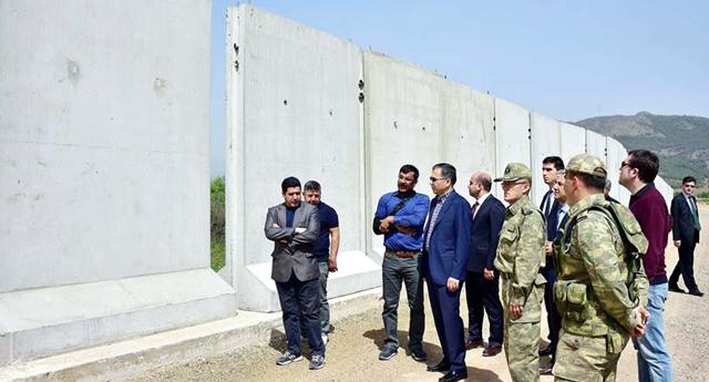 Sınıra duvar örülüyor