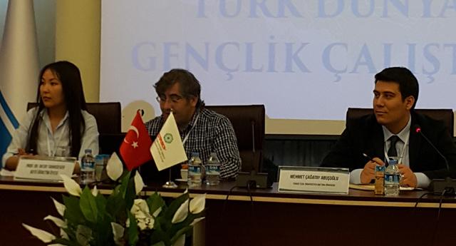 Abuşoğlu, konferans verdi