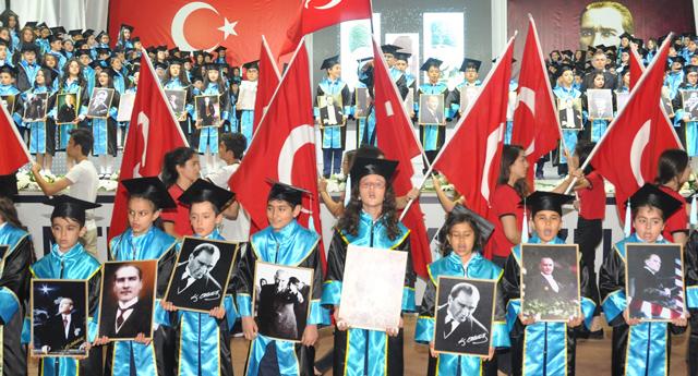 GKV İlkokulu mezunlarını uğurladı