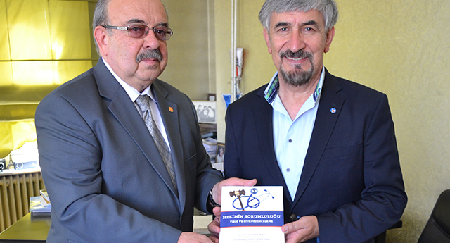 Hakim ve Hekim'den Türkiye'de ilk kitap