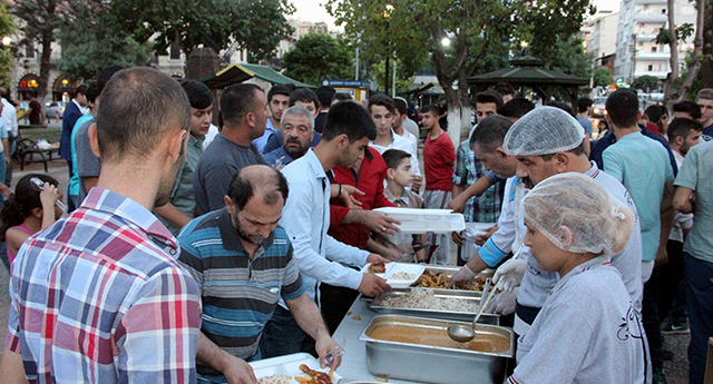 Parkta iftar