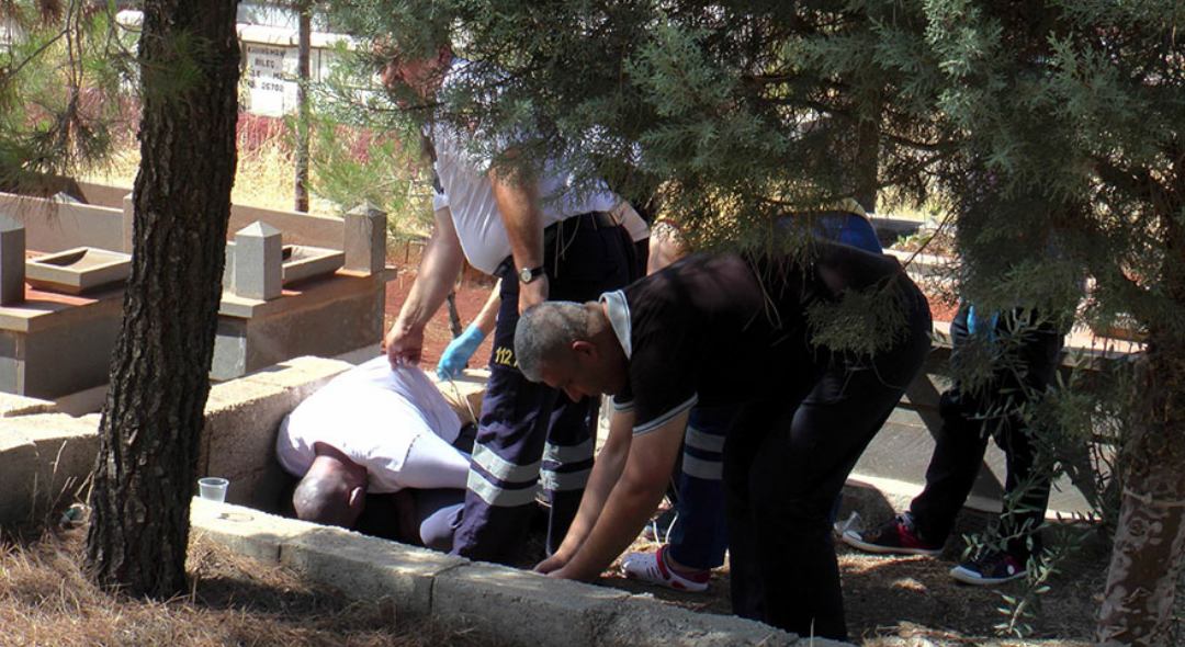 Gaziantep 'te mezarlıkta sır ölüm