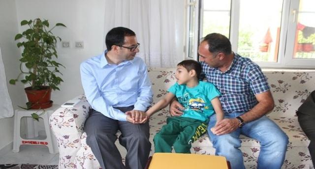 Bayram nedeniyle şehit ailelei de ziyaret edildi