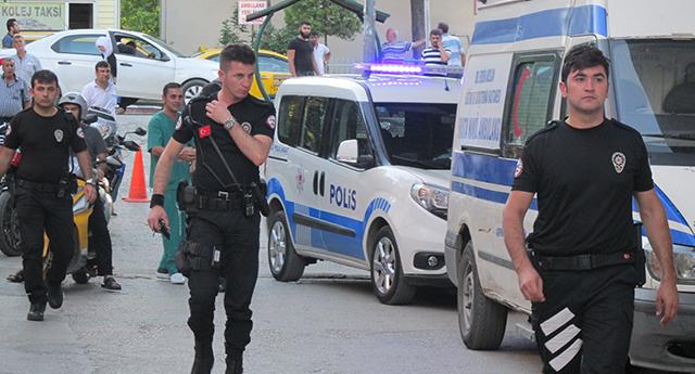 Polise silah çektiler