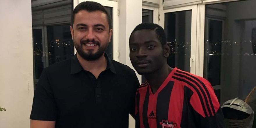 Zambia'dan golcü geldi