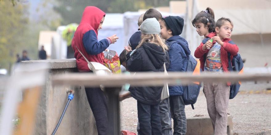 Suriyeli çocuklara Türkçe dersi