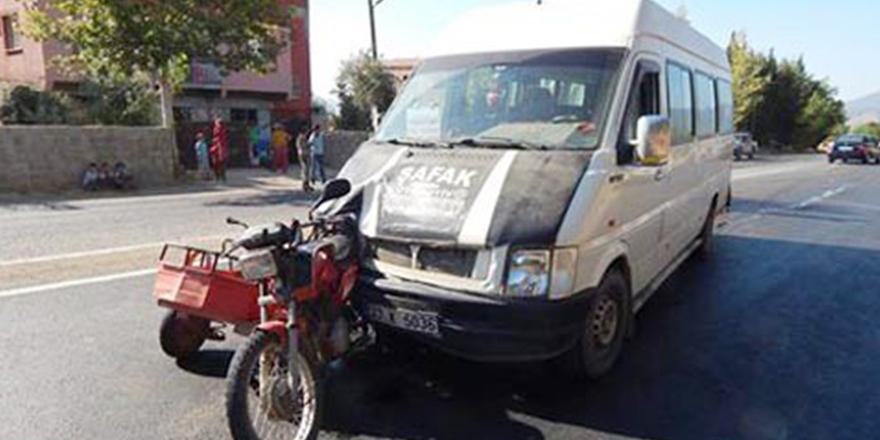 Minibüs kazası: 4 yaralı