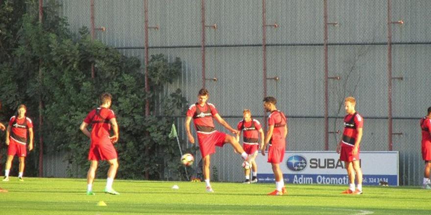 """İsmail Kartal: """"Başakşehir maçından da puanla ayrılmak istiyoruz"""""""