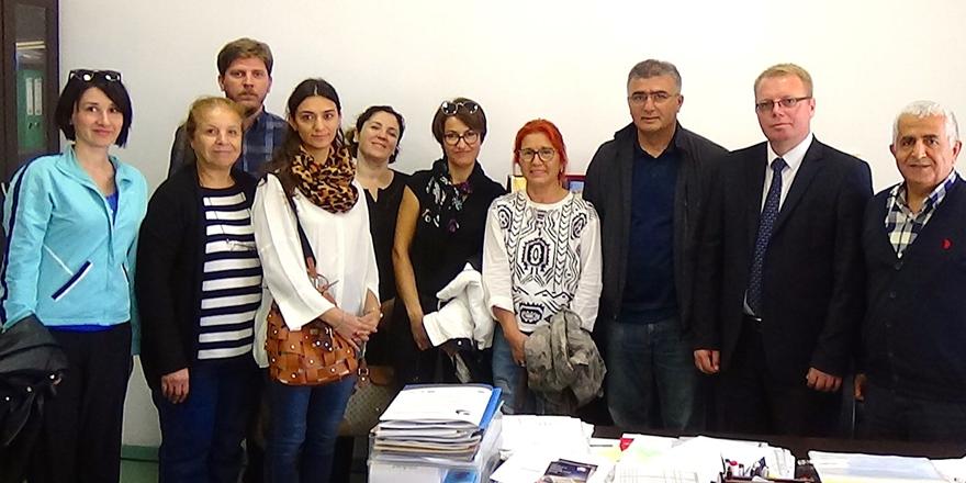 Kosova'da imzalar atıldı