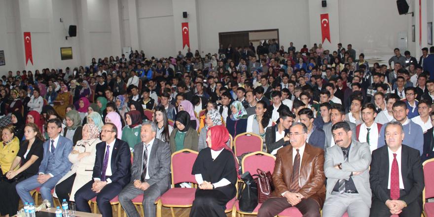 Lise öğrencilerine seminer