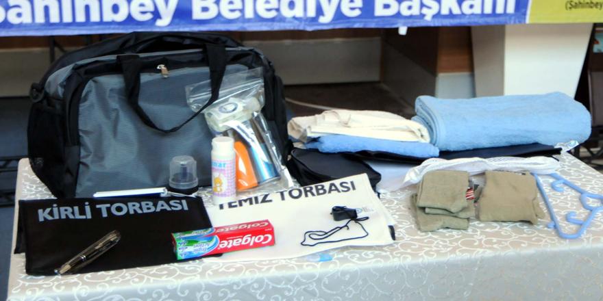 Asker adaylarının çantası belediyeden