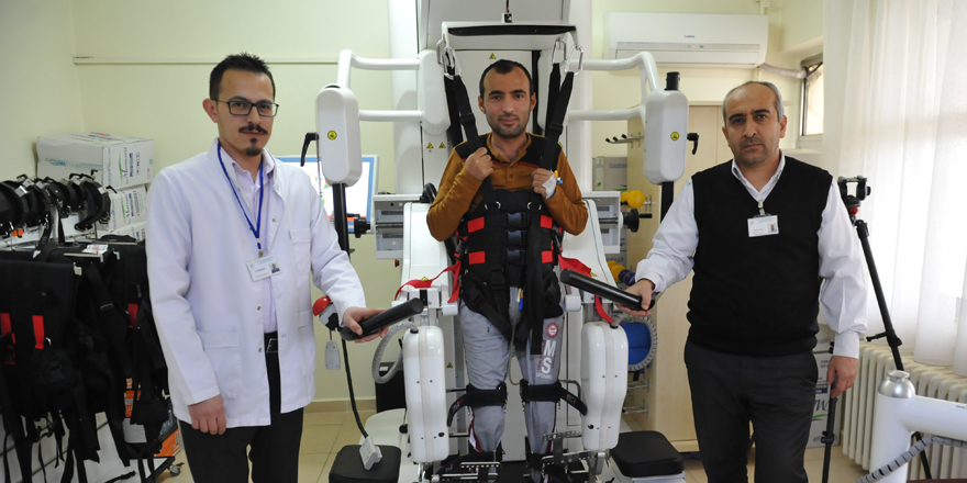 Robotik tedavi hayata bağladı