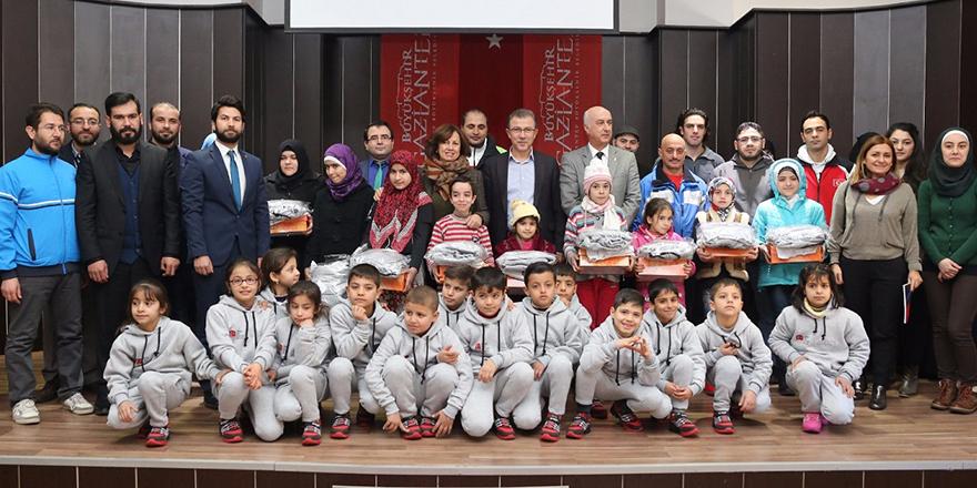 Suriyeli çocuklara sportif destek