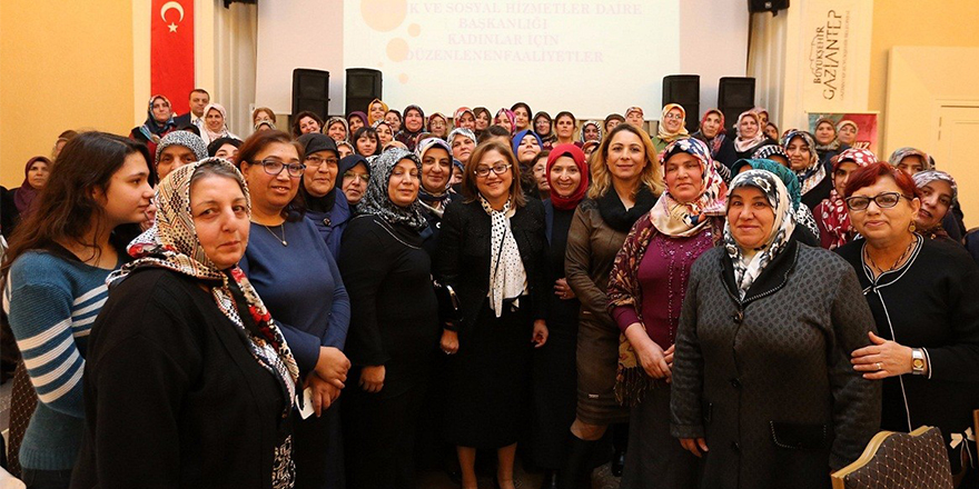 Fatma Şahin, KETEM'den destek alan kadınlarla bir araya geldi