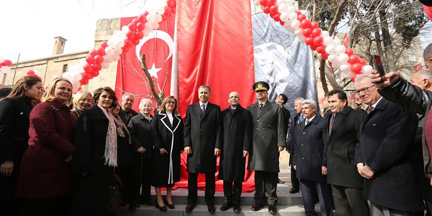 Türkiye'nin ilk 'Kadın şehitler anıtı' açıldı