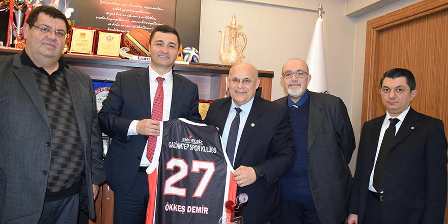 Engelsiz Gaziantepspor'dan Demir'e teşekkür ziyareti