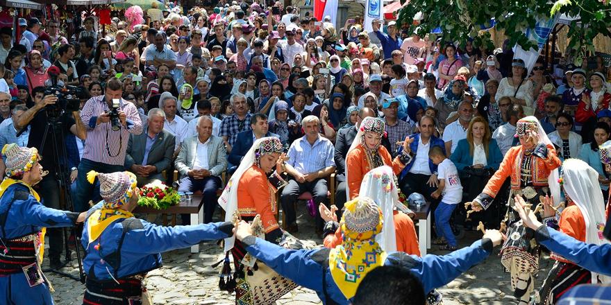 Anadolu'nun renkleri 'Erguvan' ile hayat buluyor