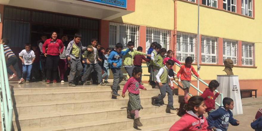 Okulda deprem tatbikatı
