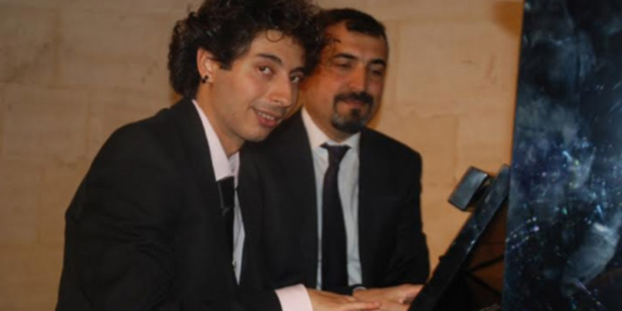 Üç otizmli piyanistten konser